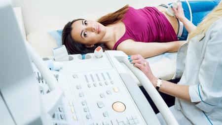 妊娠 病院 エコー 超音波検査 妊婦