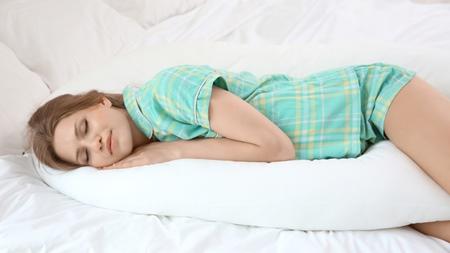 寝苦しときは「シムスの体位」で