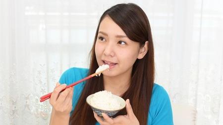 白米やパンの摂取に注意が必要