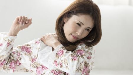 妊娠中に肩こりや腰痛が起きやすい原因