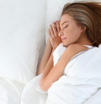 妊娠初期、中期、後期(臨月)の妊婦の寝方は?左下で?シムスの体位とは