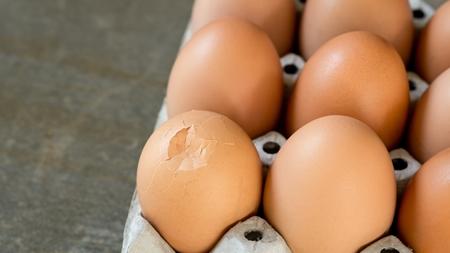 ひび割れの卵に注意