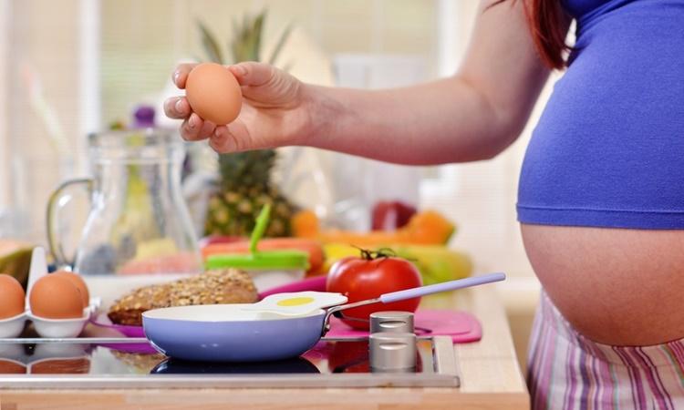 妊娠中に卵を食べた、食べない、トラブル体験談