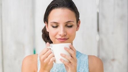妊娠初期の頭痛を和らげる飲み物