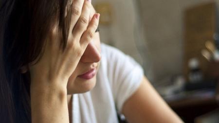 黄体ホルモンのはたらきにより頭痛が起こる理由