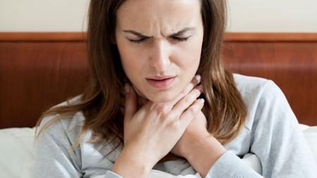 咳やのどの腫れや痛みは風邪