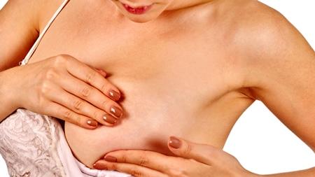 乳房マッサージでお乳が出ることも