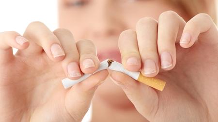 煙草は低体重や流産の原因の可能性も