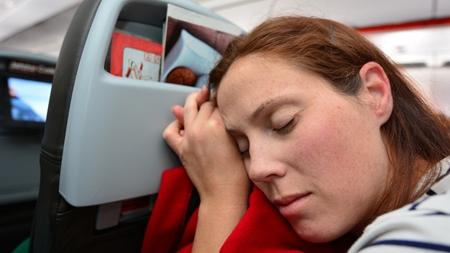 妊婦さんが飛行機に乗ることで生じる問題とは?