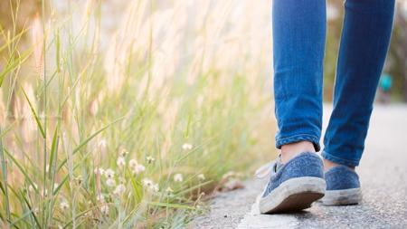 歩きやすい靴に変えると諸症状の緩和に