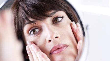 肌トラブル 外見の変化