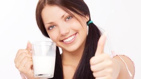 牛乳の健康効果について