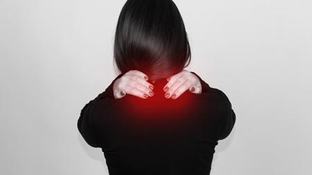 女性は男性よりも肩こりになりやすい?
