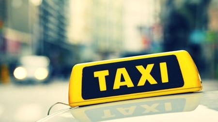 臨月にタクシーに乗る場合の注意事項