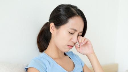 眼精疲労からの頭痛