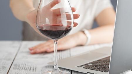 妊娠初期の飲酒の許容量とは?