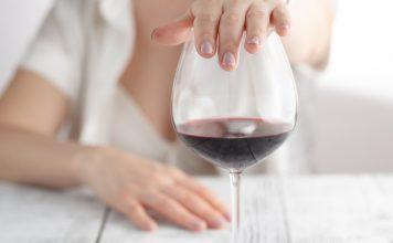 妊娠超初期~妊娠初期の飲酒がおなかの赤ちゃん与える影響について知っておきたいこと