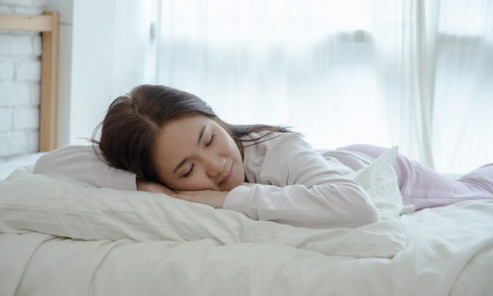 うつぶせ寝ても平気なの?妊娠初期のうつぶせの姿勢について知っておきたいこと