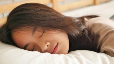 妊娠初期の寝る姿勢 赤ちゃんに悪影響があるの?
