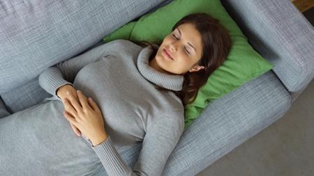 妊娠初期の仰向け寝の姿勢は大丈夫?