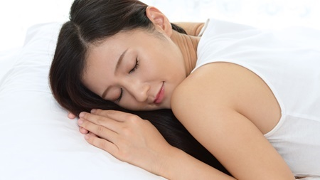 妊娠初期にうつぶせで寝ても大丈夫なの?