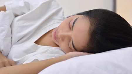 夜つわりが辛い原因とは?