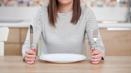妊娠初期の空腹はつわりの一種?