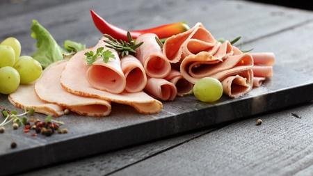 リステリア菌食中毒の原因となる食べ物とは?