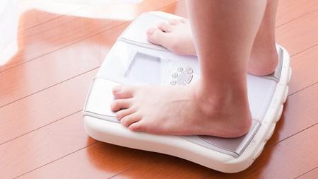 毎日同じ時間に体重を計測する