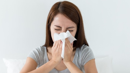 緑色の鼻水が・・異常な頭痛が続く副鼻腔炎に