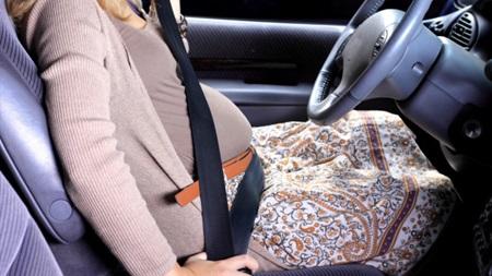 妊娠中の妊婦が車を運転する時に気をつけること!いつまでいいの?03