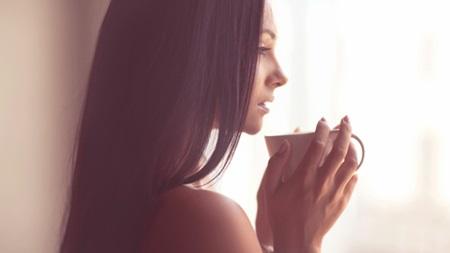 産後も注意 カフェインと女性ホルモン