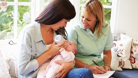 自宅出産の出生届について