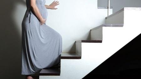 臨月の階段昇降について