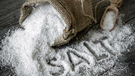 塩分の摂りすぎがむくみを悪化させます
