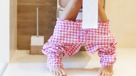 膀胱が圧迫されることによりトイレが近くなります