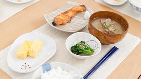 食事は洋食よりも和食がベスト