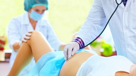 分娩が長引いている場合や陣痛が微弱な場合