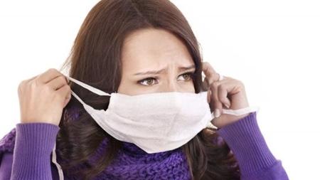マスクの着用で飛沫感染を防ぐ