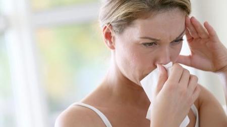 女性ホルモンの影響で鼻血